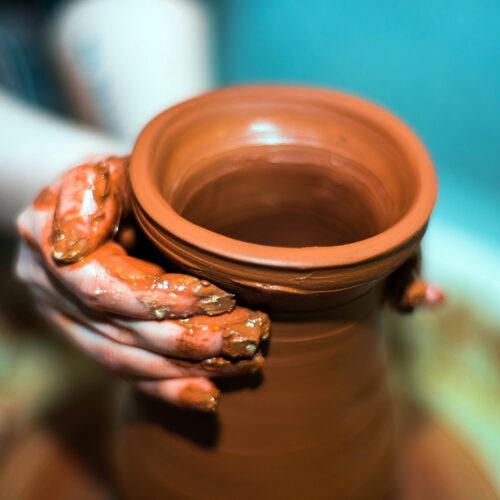 Работа с глиной - это лучшие тактильные ощущения